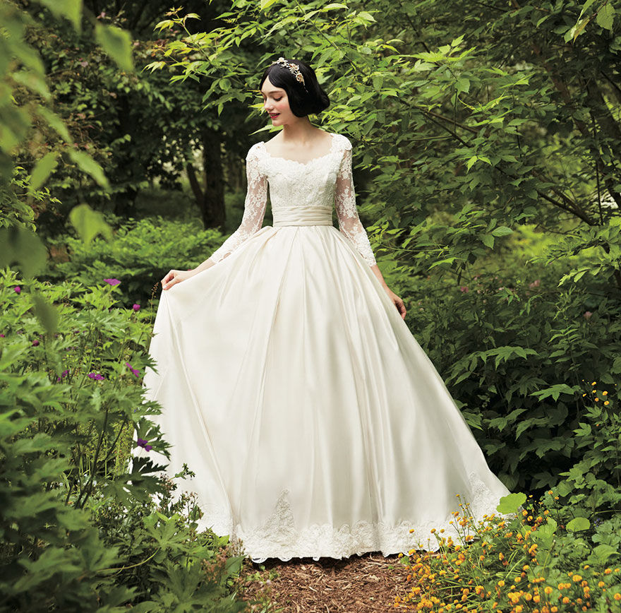 Snow White Wedding Hair Style: Disney Princess Inspired Wedding Dresses To Make Your