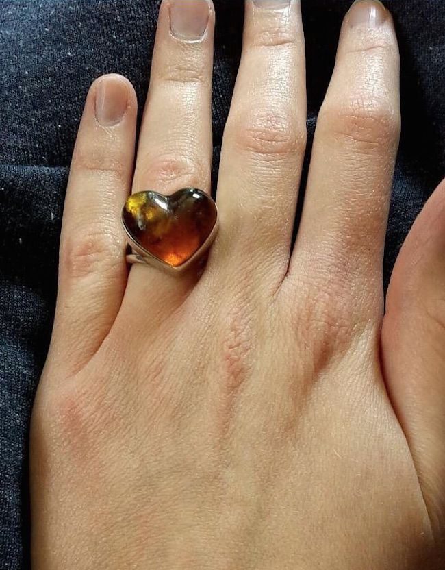 Woman S Story About Her Ugly Engagement Ring Surfaces On Twitter